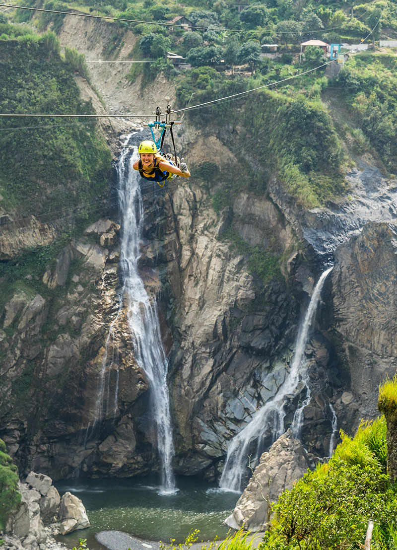 Ziplinning in Baños