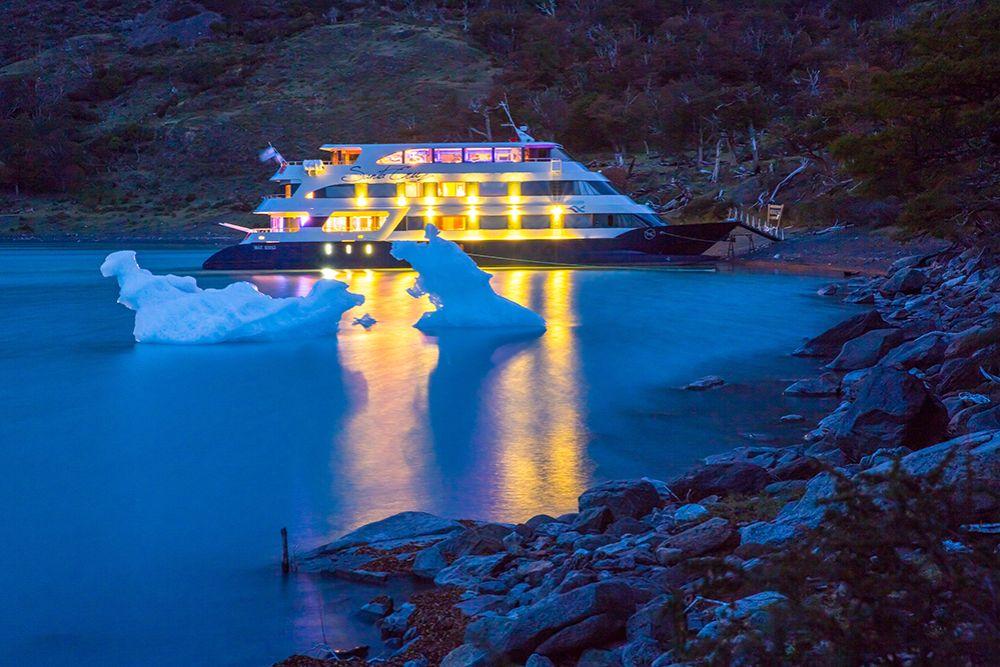 Cruise at Night Argentina
