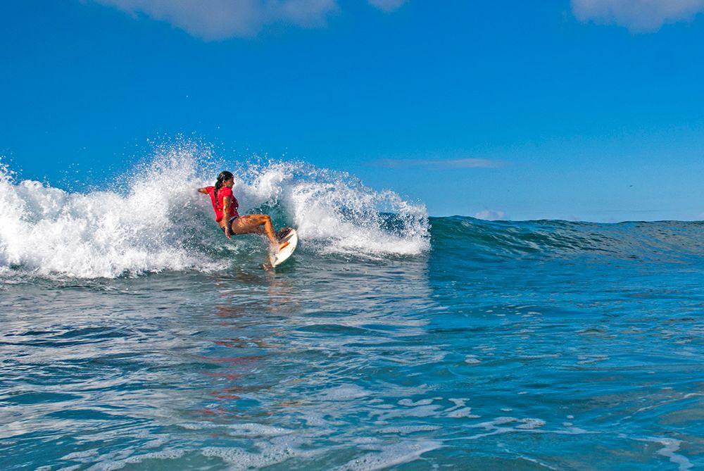 Surf Ratonera Galapagos Islands